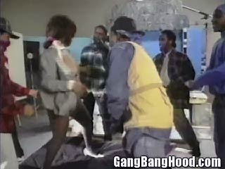 Black MILF Worked by Gang